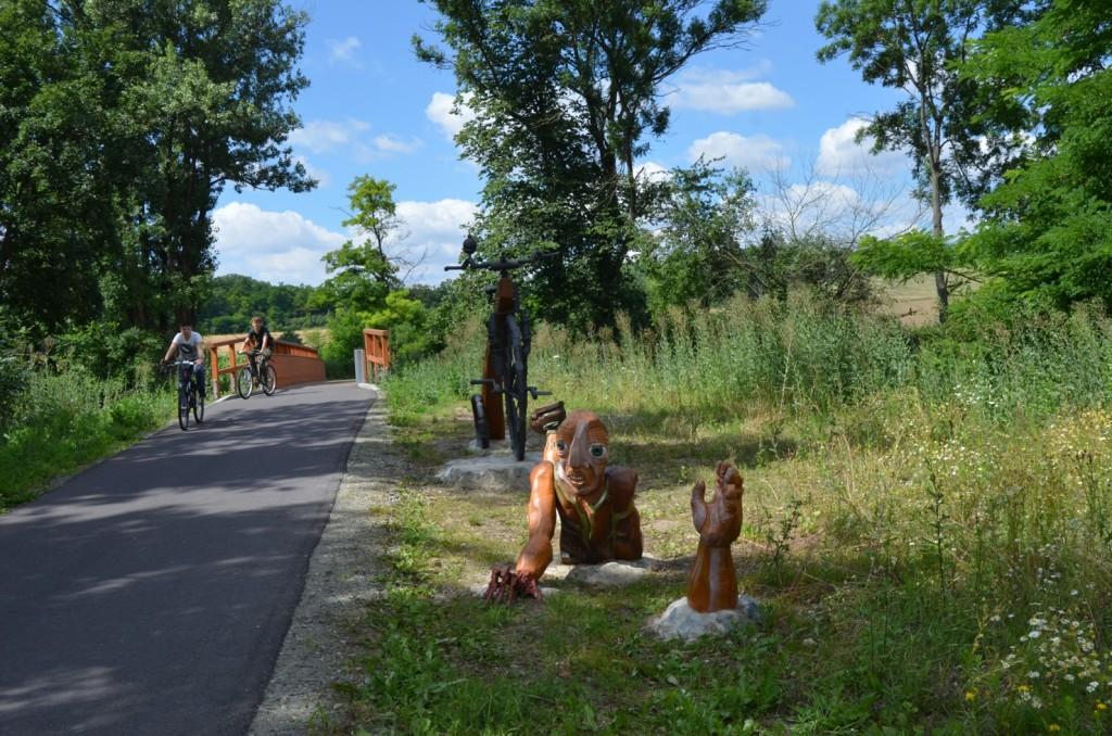 Pomník-neznámému-padlému-cyklistovi